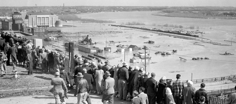 Sioux City, Iowa and the Missouri River, April 13, 1952