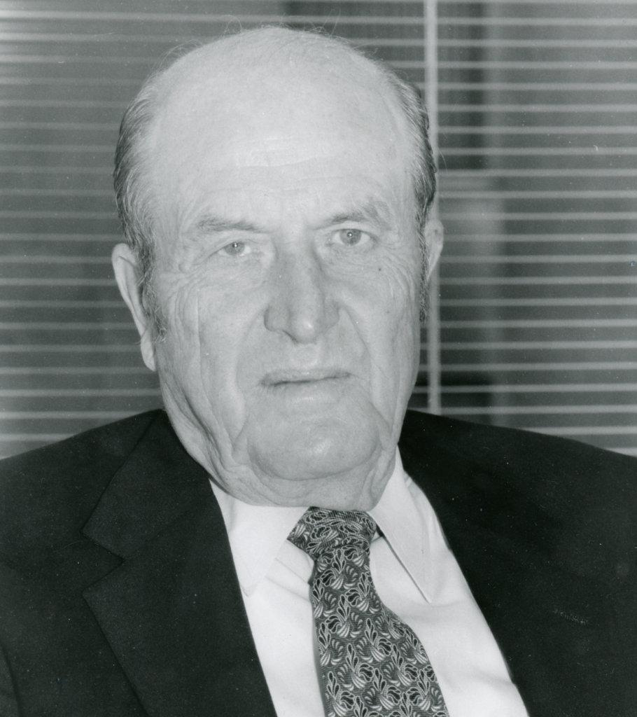 Ken Holum